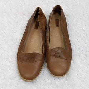 Olukai Lino Flat Brown Leather Size 8.5